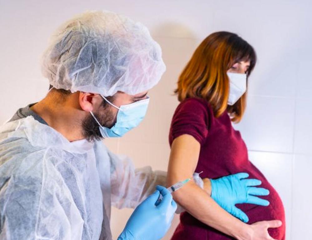 Información importante acerca de la inclusión de mujeres embarazadas en las ASUE de vacunas contra covid-19