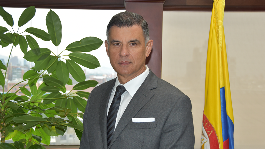 Julio César Aldana Bula, Director General